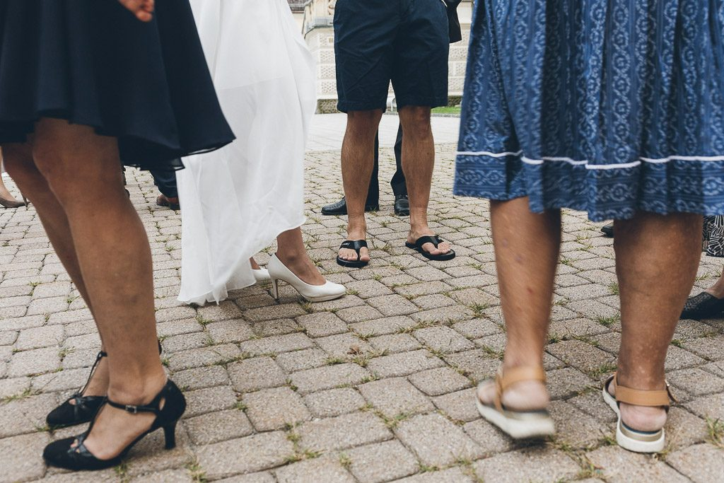 Bräutigam in Flip Flops, heiraten in Flip Flops